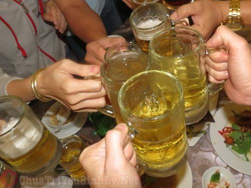 Yếu sinh lý không nên sử dụng nhiều rượu bia