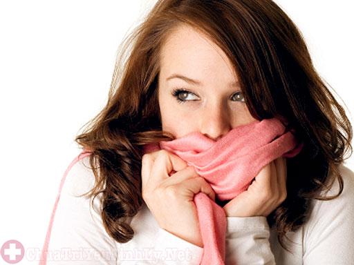 Phụ nữ bị thận yếu thường rất sợ lạnh