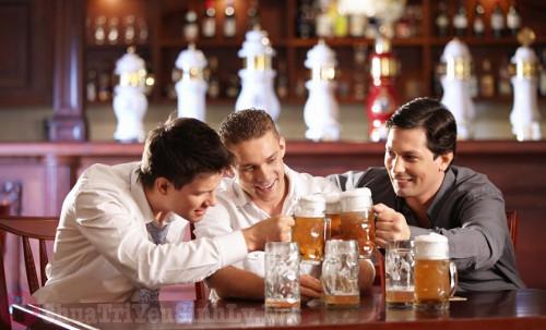 Nam giới uống nhiều bia rượu dễ bị rối loạn cương dương