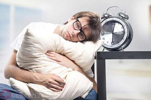 Nam giới mắc bệnh thận yếu ngủ không ngon giấc