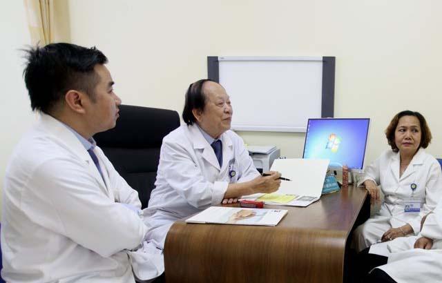 Bác sĩ trao đổi về tình trạng yếu sinh lý ở nam giới